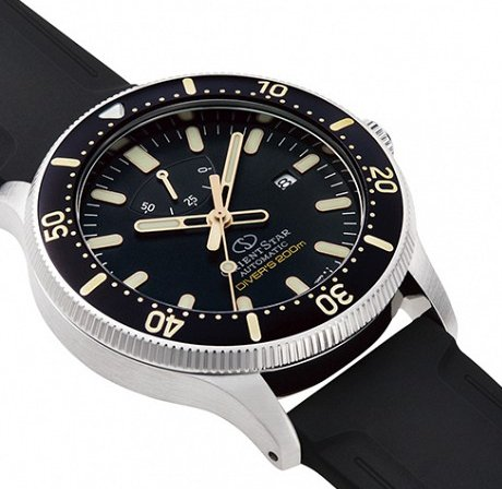 ORIENT STAR Diver's 200M Mechanical Power Reserve RE-AU0303B (RK-AU0303B)